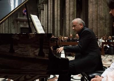 """Il maestro Paolo Vergari, al pianoforte, si fa interprete del tentativo ambizioso di Olivier Messiaen di immaginare l'Altrove in musica con i """"Vingt Regards sur l'Enfant-Jésus"""""""